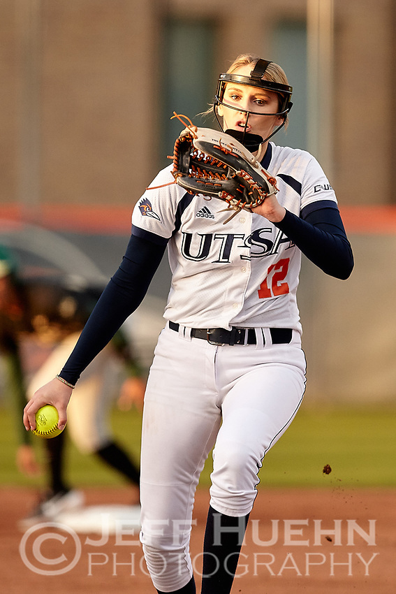 SAN ANTONIO, TX - FEBRUARY 13, 2019: The University of Texas at San Antonio Roadrunners fall to the Baylor University Bears 4-1 at Roadrunner Field. (Photo by Jeff Huehn)