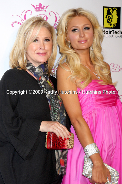 Kathy & Paris Hilton.arriving at the Paris Hilton Beauty Line Launch Party.Thompson Hotel.Beverly Hills,  CA.November 17, 2009.©2009 Kathy Hutchins / Hutchins Photo.