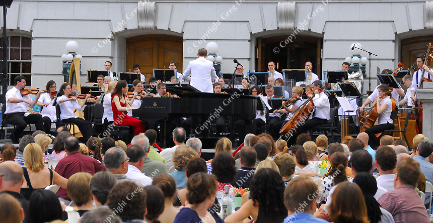 Concerts on the Square leads off the 26th season on 6/24/09, with The Wisconsin Chamber Orchestra, conducted by Andrew Sewell