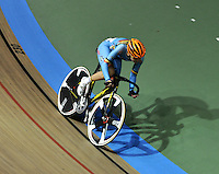 CALI – COLOMBIA – 26-02-2014: Kelly Druyts de Belgica gana medalla de oro durante final de la prueba de Damas Scratch  en el Velodromo Alcides Nieto Patiño, sede del Campeonato Mundial UCI de Ciclismo Pista 2014. / Kelly Druyts of Belgium wins the gold medal during final of the test of the women´s Scratch in Alcides Nieto Patiño Velodrome, home of the 2014 UCI Track Cycling World Championships. Photos: VizzorImage / Luis Ramirez / Staff.