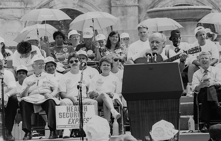 Peter Yarrow singing at the Health Care Rally, west front of Capitol Hill in 1994. (Photo by Chris Martin/CQ Roll Call via Getty Images)