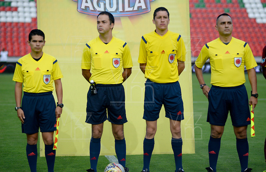 IBAGUÉ -COLOMBIA, 04-03-2015. El cuerpo arbitral previo al partido entre Deportes Tolima e Independiente Santa Fe por la fecha 17 de la Liga Águila I 2016 jugado en el estadio Manuel Murillo Toro de Ibagué./ The referees prior the match between Deportes Tolima and Independiente Santa Fe for the date 17 of the Aguila League I 2016 played at Manuel Murillo Toro stadium in Ibague city. Photo: VizzorImage / Juan Carlos Escobar / Cont