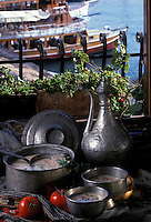 "Europe/Turquie/Antalya : Soupe de poisson ""Balik Corbasi"" - Recette du restaurant le ""Kra Sofrasi"" du chef Sali Donmez"