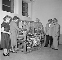 Photo -Loom Given to Statehouse by Elks Bill Dicks Larry Dyball Feb 1961.JPG