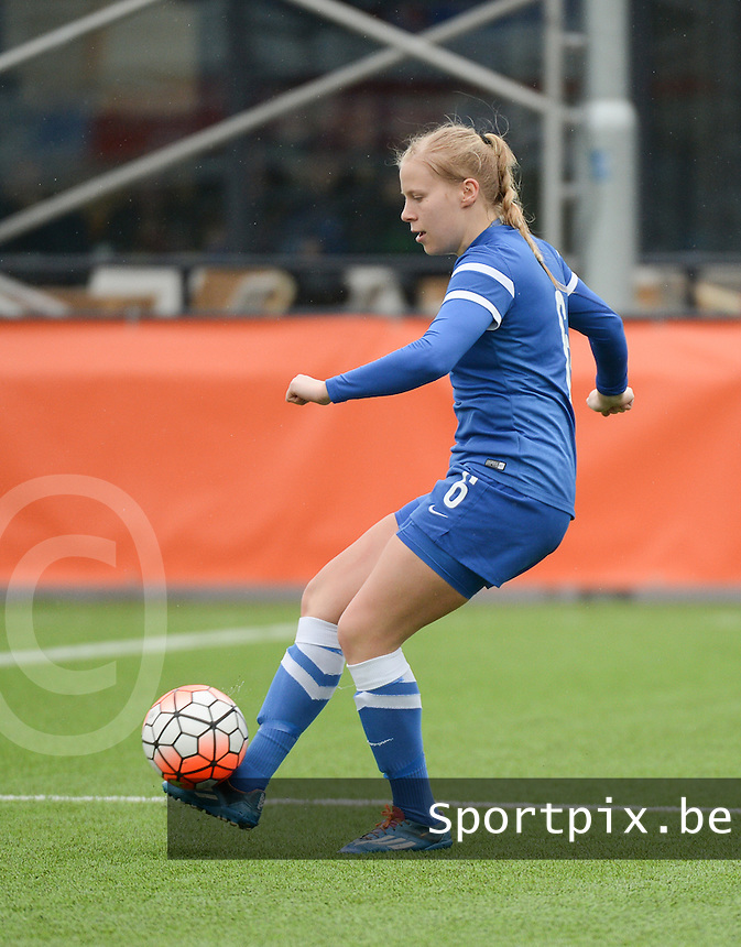 20160405  - Eibergen , NETHERLANDS : Finland's Emma Santamäki pictured during the soccer match between the women under 19 teams of Finland and Belarus , on the first matchday in group 3 of the UEFA Women Under19 Elite rounds in Eibergen , Netherlands. Tuesday 5 th April 2016 . PHOTO DIRK VUYLSTEKE / Sportpix.be