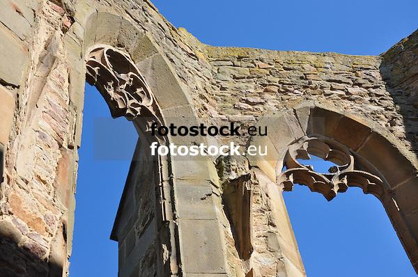 Innenraum der Ruine der Beller Kirche, Spätgotik (15. Jh.), bei Eckelsheim