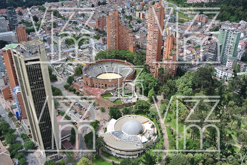 BOGOTÁ -COLOMBIA. Aspecto panorámico del centro de la ciudad de Bogotá, Colombia./ Panoramic aspect of  downtown Bogota, Colombia. Photo: VizzorImage/Str