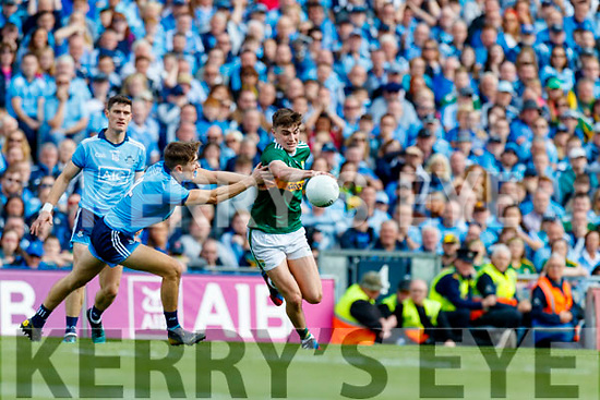 Sean O'Shea, Kerry in action against Michael Fitzsimons, Dublin during the GAA Football All-Ireland Senior Championship Final match between Kerry and Dublin at Croke Park in Dublin on Sunday.