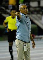 BARRANQUILLA - COLOMBIA - 24 - 03 - 2018: Alexis Mendoza, técnico de Atletico Junior, durante partido de la fecha 10 entre Atletico Junior y Once Caldas por la Liga Aguila I - 2018, jugado en el estadio Metropolitano Roberto Melendez de la ciudad de Barranquilla. / Alexis Mendoza, coach of Atletico Junior, during a match of the 10th date between Atletico Junior and Once Caldas for the Liga Aguila I - 2018 at the Metropolitano Roberto Melendez Stadium in Barranquilla city, Photo: VizzorImage  / Alfonso Cervantes / Cont. (BEST AVAILABLE QUALITY)
