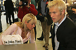 CL 04-05 Hinrunde 1. Spiel - Vorschau<br /> <br /> Pekka Lagerblom (rechts) von Werder Bremen mit seiner Freundin Anna Maria ( Schwester von Sarah Conners )  auf dem Bremer Flughafen.<br /> <br /> Foto :© nordphoto <br /> <br /> <br /> <br />  *** Local Caption *** Foto ist honorarpflichtig! zzgl. gesetzl. MwSt.<br /> <br /> Belegexemplar erforderlich<br /> <br /> Adresse: nordphoto<br /> <br /> Georg-Reinke-Strasse 1<br /> <br /> 49377 Vechta