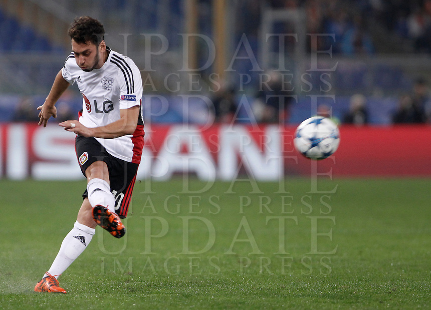 Calcio, Champions League, Gruppo E: Roma vs Bayer Leverkusen. Roma, stadio Olimpico, 4 novembre 2015.<br /> Bayer Leverkusen's Julian Brandt kicks the ball during a Champions League, Group E football match between Roma and Bayer Leverkusen, at Rome's Olympic stadium, 4 November 2015.<br /> UPDATE IMAGES PRESS/Isabella Bonotto