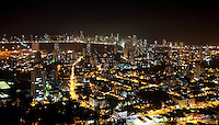 CARTAGENA-COLOMBIA-09-01-2013. Vista nocturna de la Ciudad de Cartagena de Indias, Colombia. Night view of the city of Cartagena de Indias, Colombia. (Photo: VizzorImage)...........