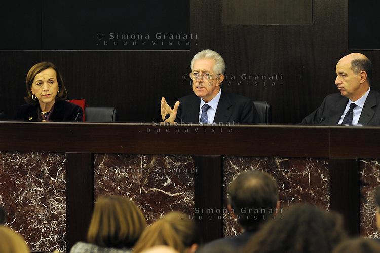 Roma, 4 Dicembre 2011.Il Governo Monti presenta alla stampa la manovra economica.. Mario Monti, Elsa Fornero e Corrado Passera ministro dello sviluppo economico