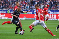 Alexander Hack (1. FSV Mainz 05) gegen Ante Rebic (Eintracht Frankfurt) - 12.05.2019: Eintracht Frankfurt vs. 1. FSV Mainz 05, 33. Spieltag Bundesliga, Commerzbank Arena, DISCLAIMER: DFL regulations prohibit any use of photographs as image sequences and/or quasi-video.