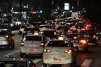 SAO PAULO, 02 DE AGOSTO DE 2012 - TRANSITO SP - Transito na Avenida Paulista apos manifestacao de motociclistas na via no fim da tarde desta quinta feira, regiao central da capital. FOTO: ALEXANDRE MOREIRA - BRAZIL PHOTO PRESS