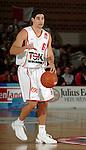Basketball, BBL 2003/2004 , 1.Bundesliga Herren, Wuerzburg (Germany) X-Rays TSK Wuerzburg - GHP Bamberg (62:84) Jason Perez (Wuerzburg) am Ball, zeigt mit dem Daumen