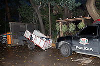 SAO PAULO, 12 DE JULHO DE 2012 - POLICIA - Policiais do 1DP da Sé, regiao central da cidade, prenderam um carroceiro de 20 que confessou ter furtato computadores, dinheiro e ter ateado fogo em processos no Forum Joao Mendes, tambem na regiao central, na madrugada de domingo (8). FOTO RICARDO LOU- BRAZIL PHOTO PRESS