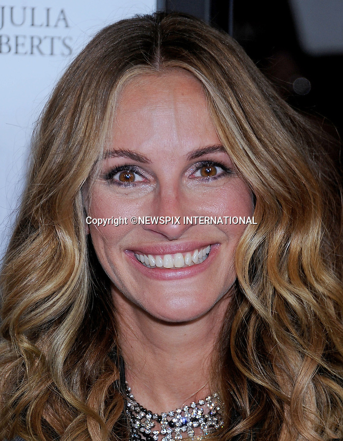 """JULIA ROBERTS.attends the Premiere of """"Fireflies In The Garden"""" at the Pacific Theatre at The Grove, Los Angeles_12/10/2011.Mandatory Photo Credit: ©Crosby/Newspix International. .**ALL FEES PAYABLE TO: """"NEWSPIX INTERNATIONAL""""**..PHOTO CREDIT MANDATORY!!: NEWSPIX INTERNATIONAL(Failure to credit will incur a surcharge of 100% of reproduction fees).IMMEDIATE CONFIRMATION OF USAGE REQUIRED:.Newspix International, 31 Chinnery Hill, Bishop's Stortford, ENGLAND CM23 3PS.Tel:+441279 324672  ; Fax: +441279656877.Mobile:  0777568 1153.e-mail: info@newspixinternational.co.uk"""