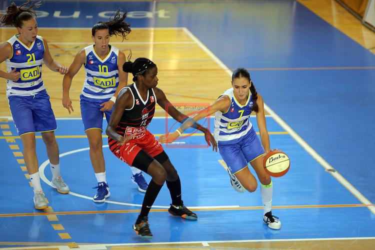 XXVIII Lliga Catalana Femenina 2016.<br /> Cadi La Seu vs Spar Citylift Girona: 71-57.<br /> Sofia Silva vs Belen Arrojo.