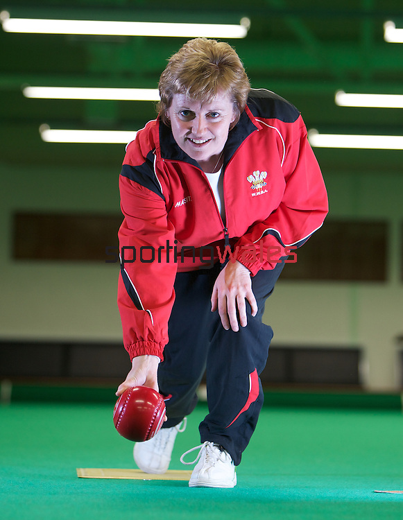 Commonwealth Games Wales Bowls Team..Kathy Pearce.08.04.10.©Steve Pope.The Manor .Coldra Woods.Newport.South Wales.NP18 1HQ.07798 830089.01633 410450.steve@sportingwales.com.www.fotowales.com.www.sportingwales.com