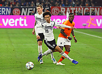 Leroy Sane (Deutschland Germany) holt sich den Ball gegen Quincy Promes(Niederlande) und Toni Kroos (Deutschland Germany) - 19.11.2018: Deutschland vs. Niederlande, 6. Spieltag UEFA Nations League Gruppe A, DISCLAIMER: DFB regulations prohibit any use of photographs as image sequences and/or quasi-video.
