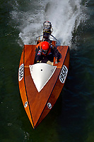 195-M     (Outboard Runabout)
