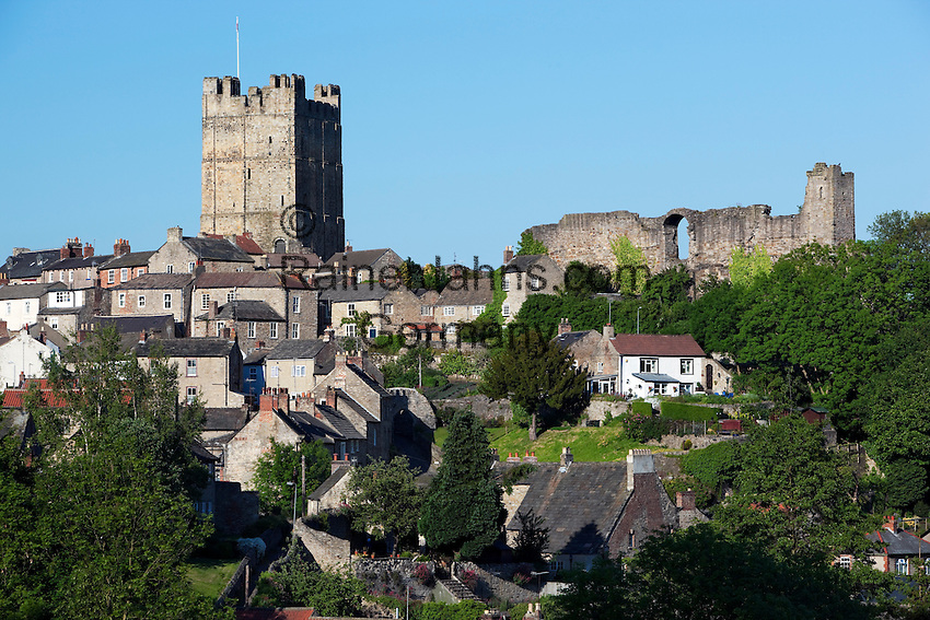Great Britain, England, North Yorkshire, Richmond: The Keep and walls of Richmond Castle and town