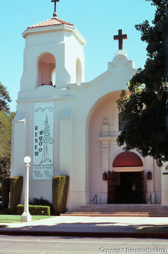 Merced CA: Our Lady of Mercy--a Catholic Church more comfortable in Mission dress than nearby Central Presbyterian. 21st & Canal.