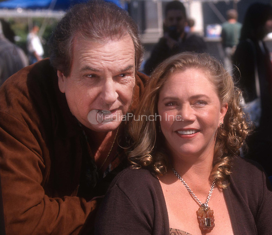 Danny Aiello and Kathleen Turner 1998<br /> Photo By John Barrett/PHOTOlink/MediaPunch