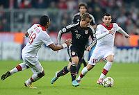 FUSSBALL   CHAMPIONS LEAGUE   SAISON 2012/2013   GRUPPENPHASE   FC Bayern Muenchen - LOSC Lille                          07.11.2012 Xherdan Shaqiri (Mitte, FC Bayern Muenchen) gegen Marvin Martin (re, LOSC Lille) und Franck Beria (LOSC Lille)