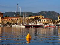 Hafen Darsena, Portoferraio, Elba, Region Toskana, Provinz Livorno, Italien, Europa<br /> Port Darsema, Portoferraio, Elba, Region Tuscany, Province Livorno, Italy, Europe