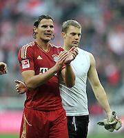FUSSBALL   1. BUNDESLIGA  SAISON 2011/2012   11. Spieltag FC Bayern Muenchen - FC Nuernberg        29.10.2011 Daniel van Buyten , Torwart Manuel Neuer (v. li., FC Bayern Muenchen)