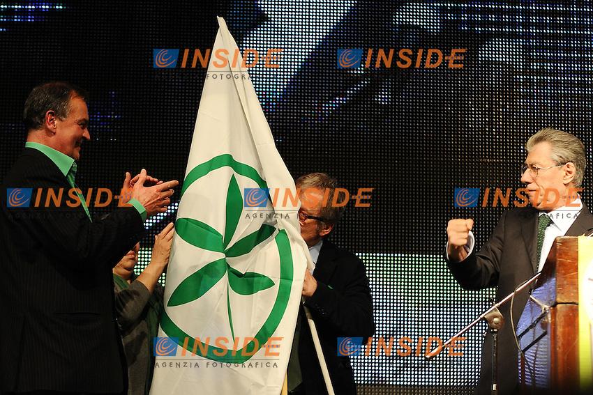 """Lega Nord Bergamo 10/04/2012 - manifestazione """"orgoglio Padano"""" .nella foto: Roberto Maroni-Umberto Bossi-Roberto Calderoli"""