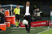 BOGOTA - COLOMBIA, 12-06-2019: Alexis Garcia técnico del Pasto gesticula durante partido de vuelta entre Deportivo Pasto y Atletico Junior por la final de la Liga Águila I 2019 jugado en el estadio Nemesio Camacho El Campín de la ciudad de Bogotá. / Alexis Garcia coach of Pasto gestures during second leg match between Deportivo Pasto and Atletico Junior for the final of the Aguila League I 2019 played at Nemesio Camacho El Campin stadium in Bogota city. Photo: VizzorImage / Felipe Caicedo / Staff