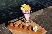 Nederland - Rotterdam -  2019. Fenix Food Factory. Biologische friet en bitterballen gemaakt van paddenstoelen.   Foto Berlinda van Dam / Hollandse Hoogte