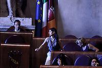 Roma, 10 Agosto 2016<br /> Il presidente dell'assemblea Marcello De Vito, La sindaca Virginia Raggi, l'assessora all'ambiente Paola Muraro.<br /> Campidoglio.<br /> Consiglio Comunale straordinario su AMA, rifiuti e le consulenze dell'assessora  all'ambiente<br /> Campidoglio.<br /> Consiglio Comunale straordinario su AMA, rifiuti e le consulenze dell'assessora  all'ambiente