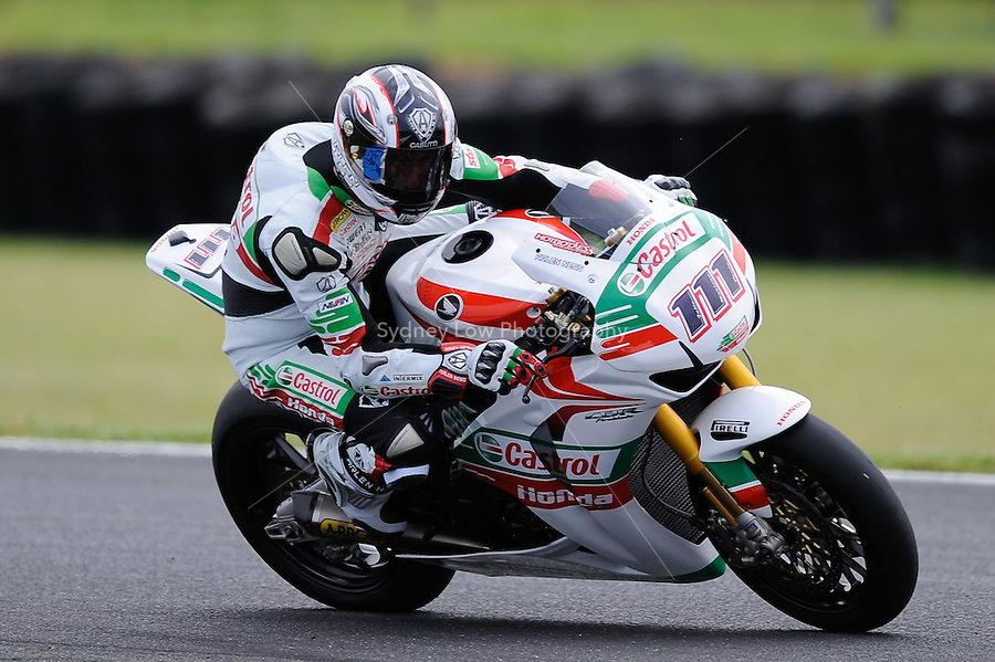 PHILLIP ISLAND, 27 FEBRUARY - Ruben Xaus (ESP) riding the Honda CBR1000RR (111) of the Castrol Honda Team during race one of round one of the 2011 FIM Superbike World Championship at Phillip Island, Australia. (Photo Sydney Low / syd-low.com)