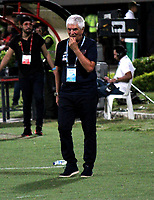 CÚCUTA-COLOMBIA, 14-11-2019: Julio Comesaña, técnico de Atlético Junior, durante partido de la fecha 2 de los cuadrangulares semifinales entre Cúcuta Deportivo y Atlético Junior, por la Liga Águila II 2019, jugado en el estadio General Santander de la ciudad de Cúcuta. / Julio Comesaña, coach of Atletico Junior, during a match of the 2 date of the semifinals quarter finals between Cucuta Deportivo and Atletico Junior, for the Aguila Leguaje II 2019 at the General Santander Stadium in Cucuta city. / Photo: VizzorImage / Manuel Hernández / Cont.