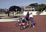 Monterey, Custom House Plaza