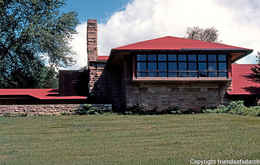 F.L. Wright: Taliesen Studio.  Photo '77.