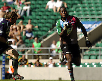 20040904 London Irish v Harlequins. Zurich Premiership..Photo  Peter Spurrier..Exile Mike Catt runniing in from the left to intercept Quins Ugo Monye attack..email images@intersport-images Mob +447973819551.
