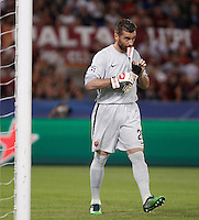 Calcio, Champions League, Gruppo E: Roma vs Barcellona. Roma, stadio Olimpico, 16 settembre 2015.<br /> Roma&rsquo;s goalkeeper Morgan De Sanctis during a Champions League, Group E football match between Roma and FC Barcelona, at Rome's Olympic stadium, 16 September 2015.<br /> UPDATE IMAGES PRESS/Isabella Bonotto<br /> <br /> *** ITALY AND GERMANY OUT ***