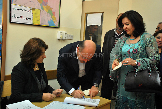 SULAIMANIYAH, IRAQ:  Kurdish Prime Minister, Barham Salih, votes in Sulaimaniyah with his wife...On March 7th, 2010, Iraq held nationwide parliamentary elections.