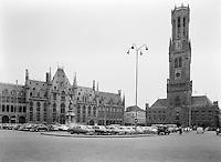 De Markt en het belfort van Brugge.