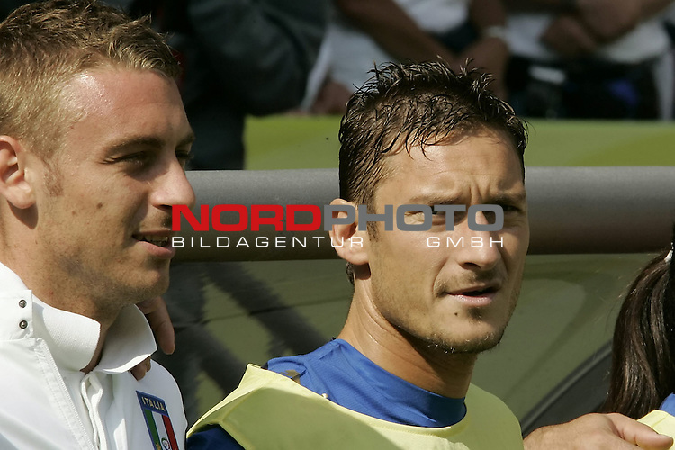 FIFA WM 2006 -  Round of Sixteen - / Viertelfinale <br /> Play      #53 (26-Jun) - Italien - Australien<br /> <br /> DE ROSSI-TOTTI<br /> <br /> <br /> Foto &copy; nordphoto