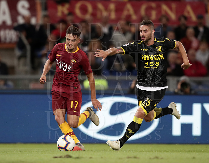 Football, Serie A: AS Roma - Frosinone, Olympic stadium, Rome, 26 September 2018. <br /> Roma's Cengiz Under (l) in action with Frosinone's Marco Capuano (r) during the Italian Serie A football match between AS Roma and Frosinone at Olympic stadium in Rome, on September 26, 2018.<br /> UPDATE IMAGES PRESS/Isabella Bonotto