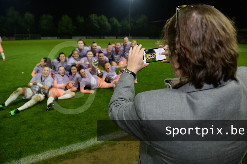 20190430 - OOSTAKKER , BELGIUM : Anderlecht's chairman Marc Coucke pictured celebrating with the players and staff after winning the Superleague Championship after a womensoccer game between  AA Gent Ladies and RSC Anderlecht Dames  , during play-off 1 in the Belgian Women's Superleague, at the PGB Stadium in Oostakker , tuesday 30 th April 2019 . PHOTO SPORTPIX.BE | DAVID CATRY