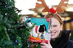 Pix: Shaun Flannery/shaunflanneryphotography.com..COPYRIGHT PICTURE>>SHAUN FLANNERY>01302-570814>>07778315553>>..11th December 2010...............Lakeside Village, Doncaster..JCI Secret Santa - Katie Ogley, JCI President..