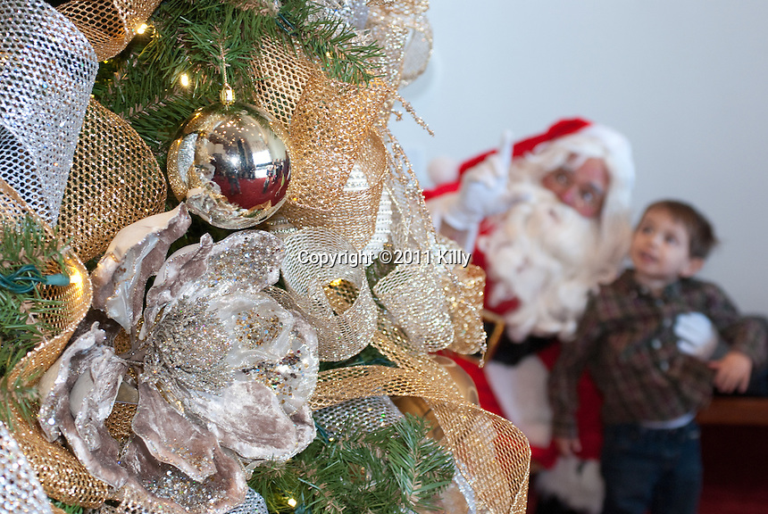 Event photos at Jones Hall of the Houston Symphony Christmas Event. Conductor Robert Franz.