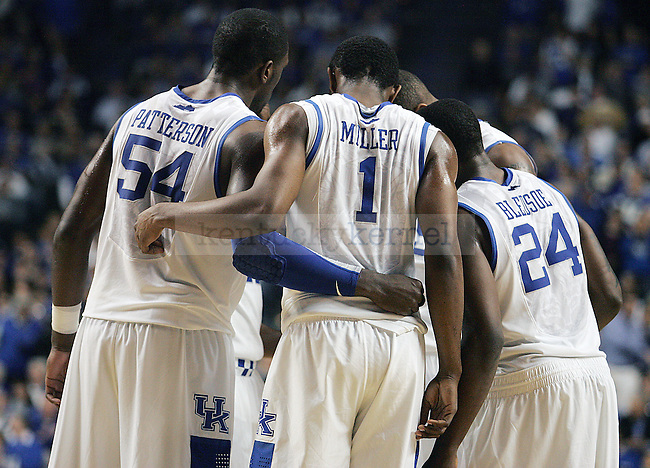 The UK men's basketball team huddles before free throws in the second half of UK's win over Florida at Rupp Arena on Sunday, March 7, 2010. Photo by Britney McIntosh | Staff